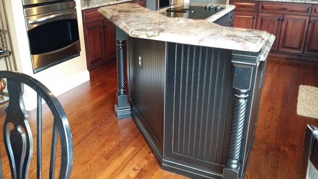 Thermofoil Cabinets Versus Solid Wood Cabinet Doors For Your New Cabinets  In St. Louis